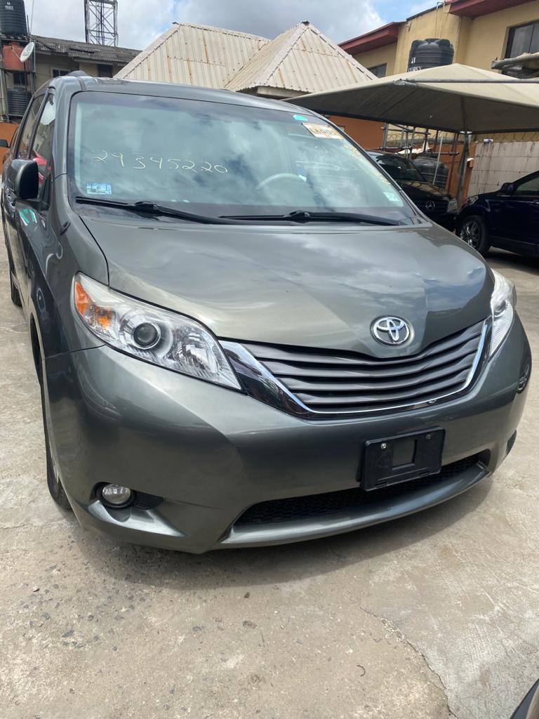 Toyota Sienna 2012 Gray | Cars for sale in Lagos State, Isolo